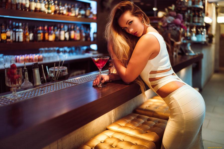 Как познакомиться в баре