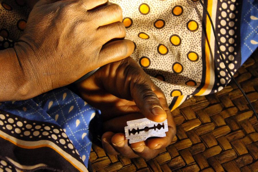 риск при женском обрезании