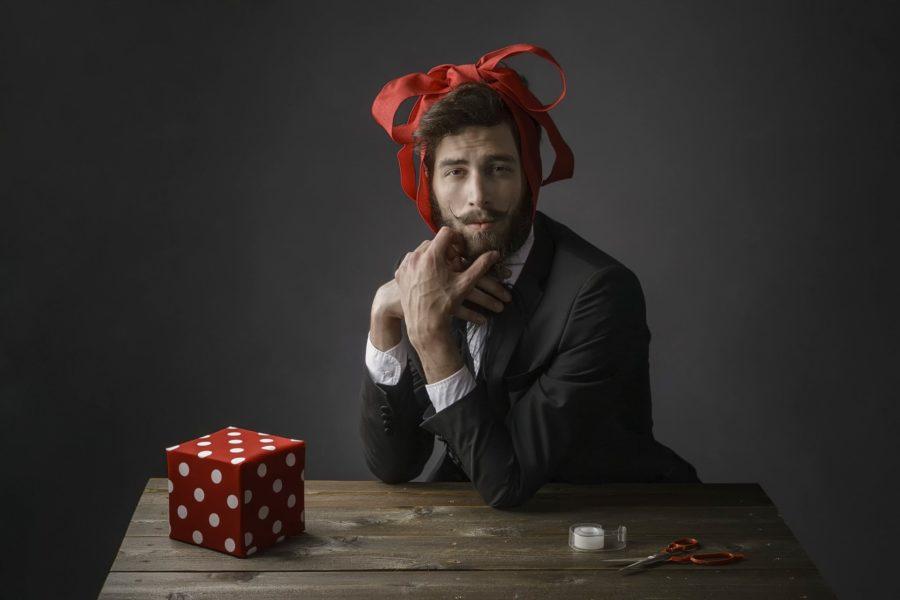 мужчина с повязкой