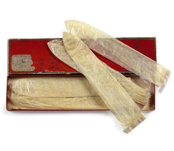 Первый презерватив