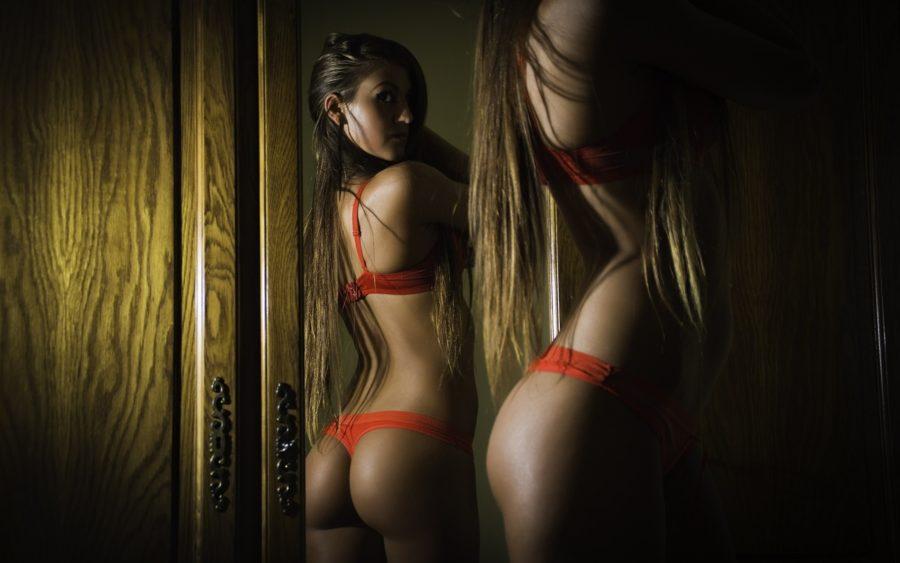 плюсы секса перед зеркалом