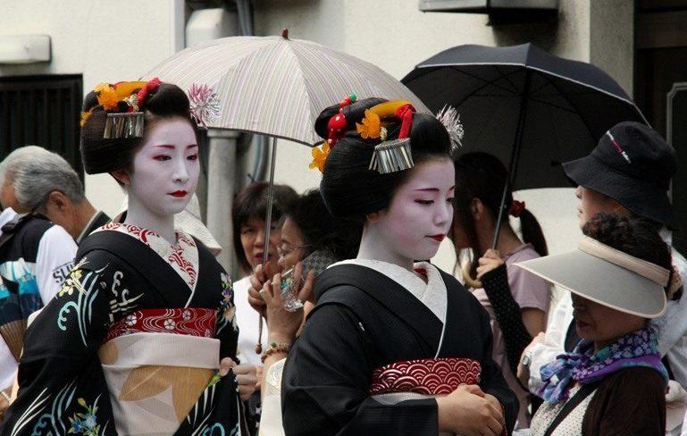 про красивых японок