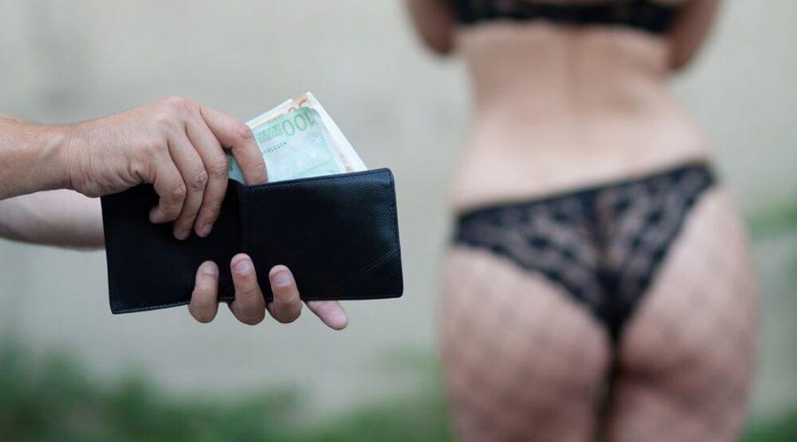 Платить за секс