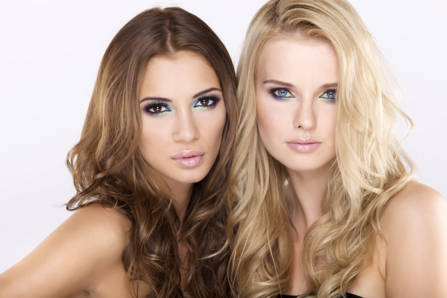 кого выбрать брюнетку или блондинку