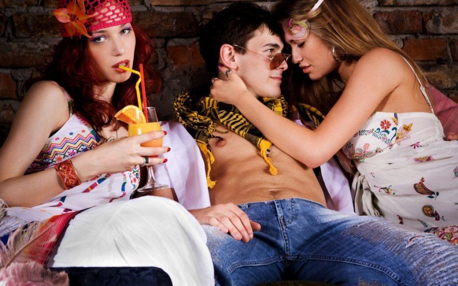 секс втроем со второй девушкой