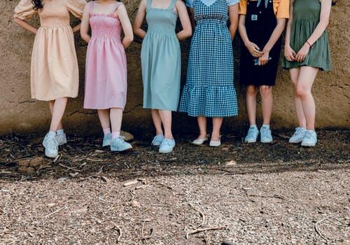 Как выбрать одежду девушке