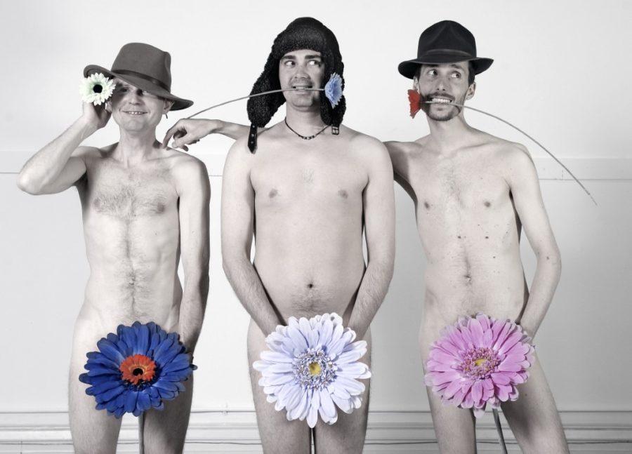 трое голых мужчин