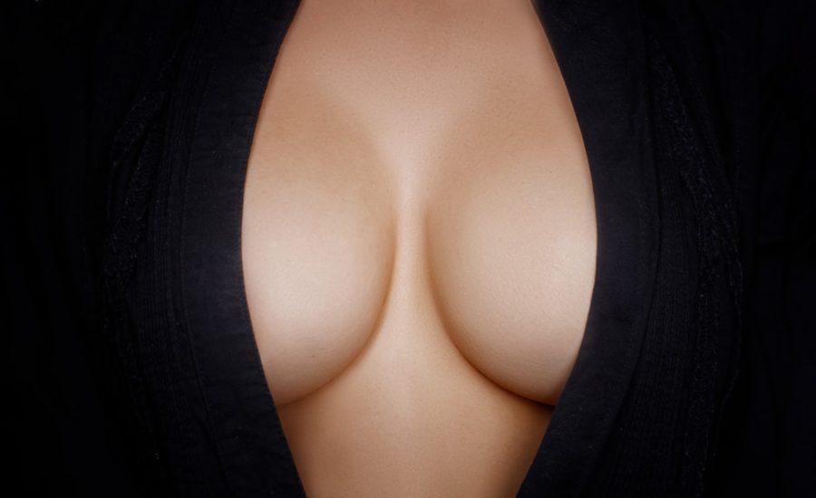 Какая грудь больше нравится мужчинам