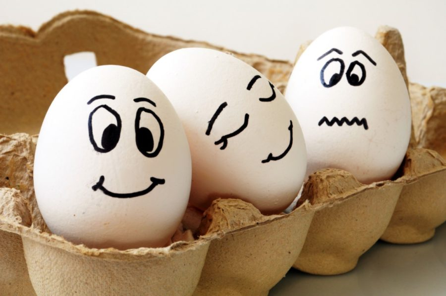 три яйца