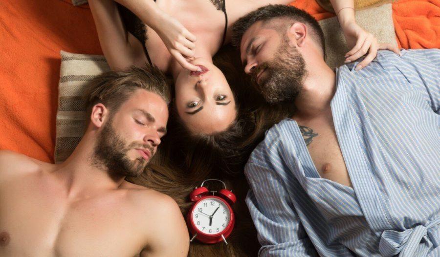 половой акт втроем