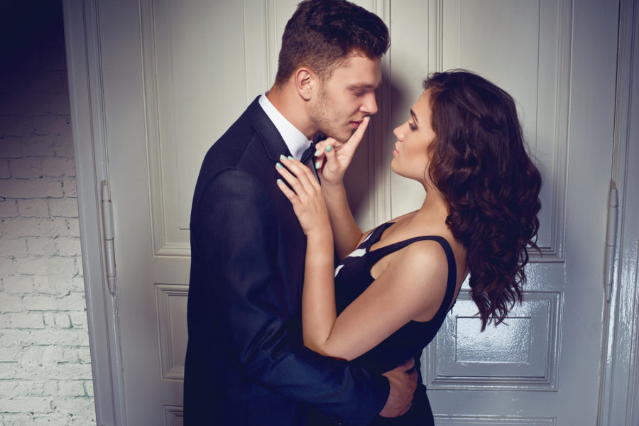 причины почему женщина влюбляется в женатого мужчину