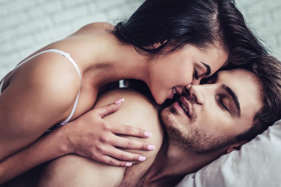 Стонать во время интимной близости