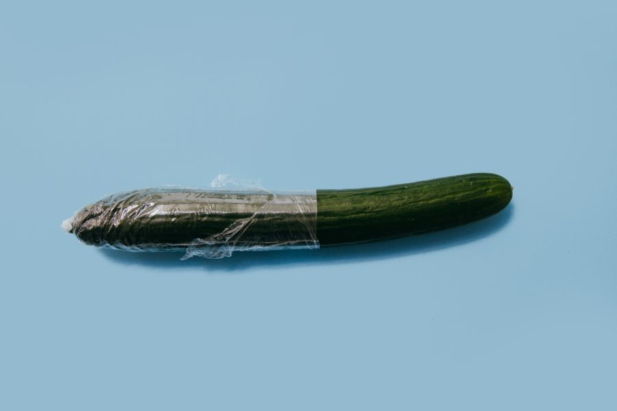 огурец в презервативе