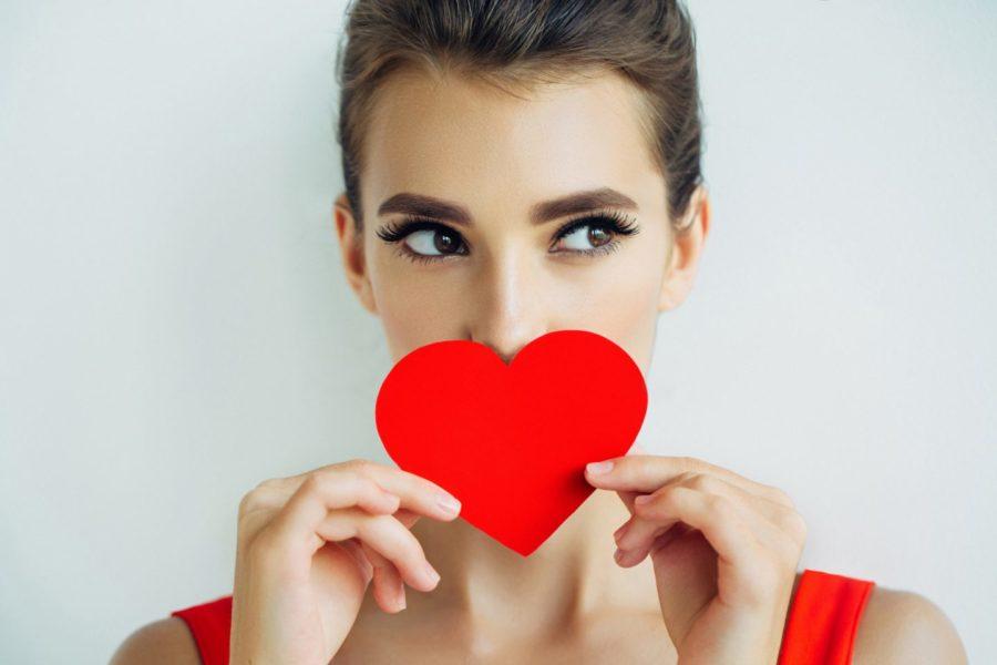 Как выглядит влюбленная девушка