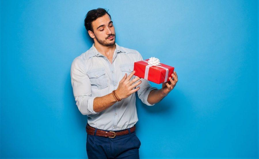 какие подарки дарить девушкам