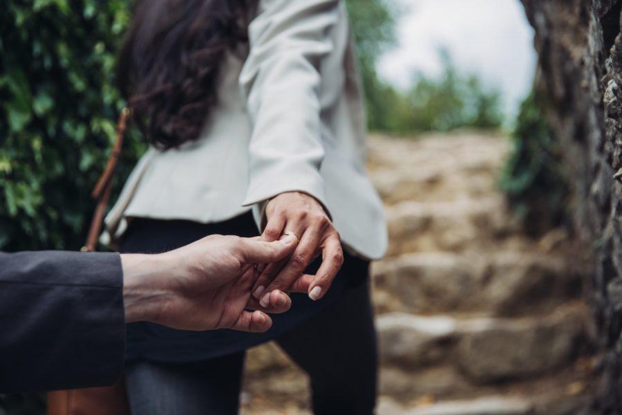 Почему любящий мужчина изменяет