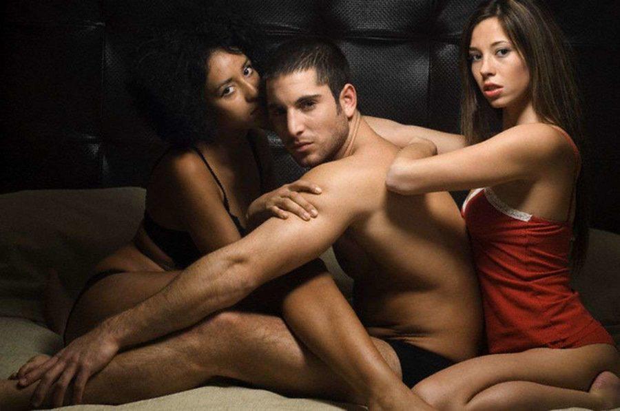 как заниматься сексом втроем