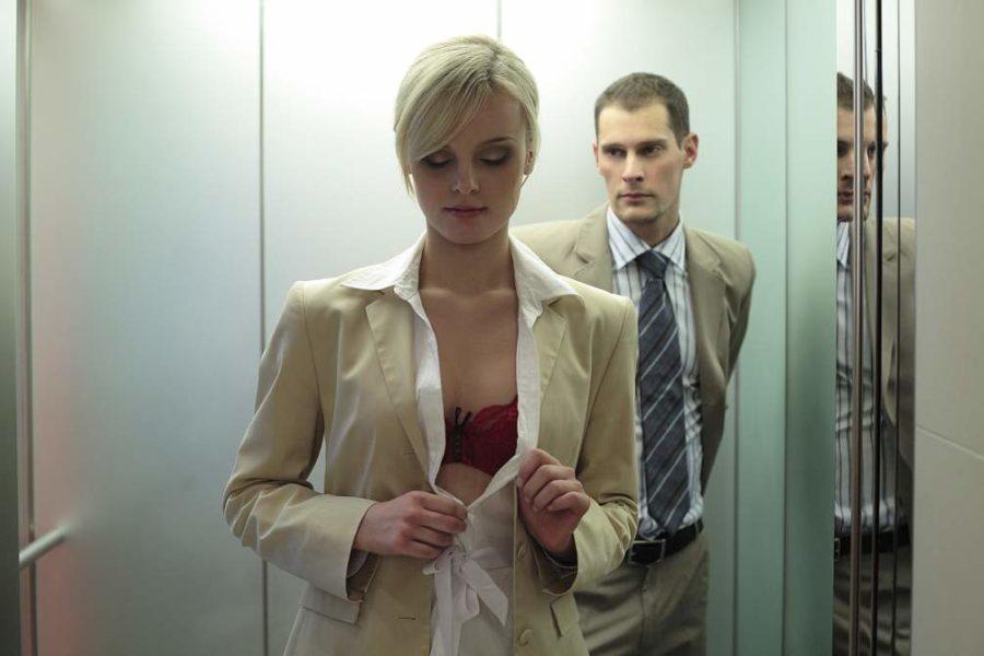 Как заняться сексом в лифте