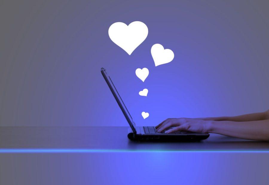 Как начать знакомство с девушкой в интернете