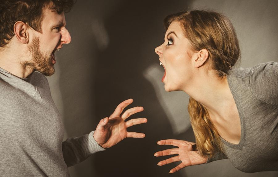 Как девушке вести себя после ссоры