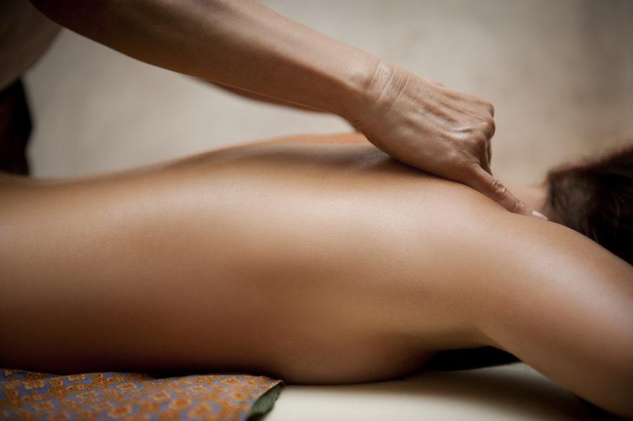 как ублажать женщину массажем