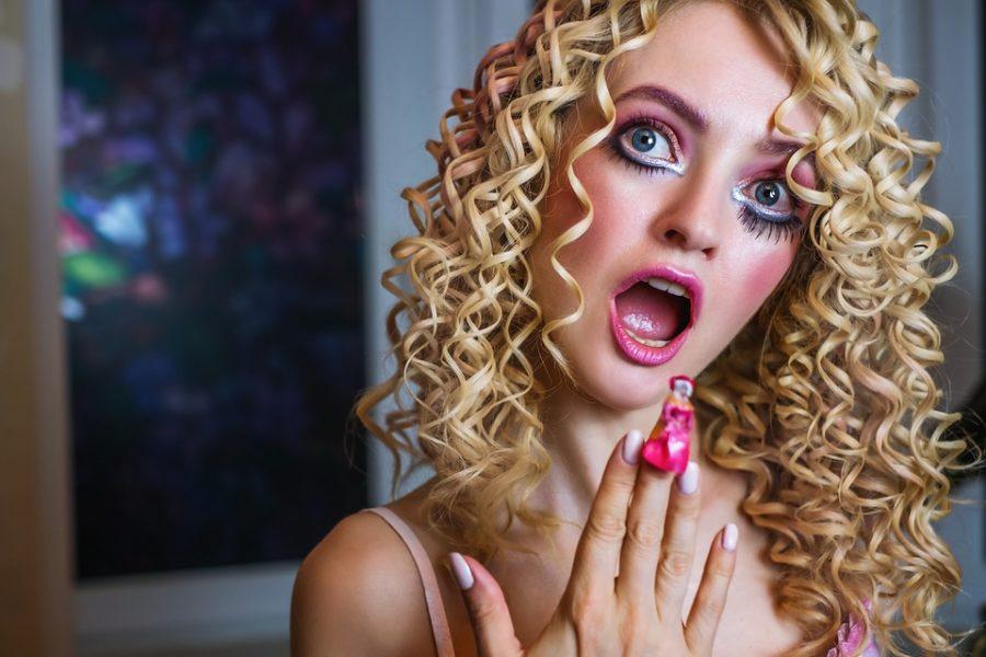 кукольная блондинка