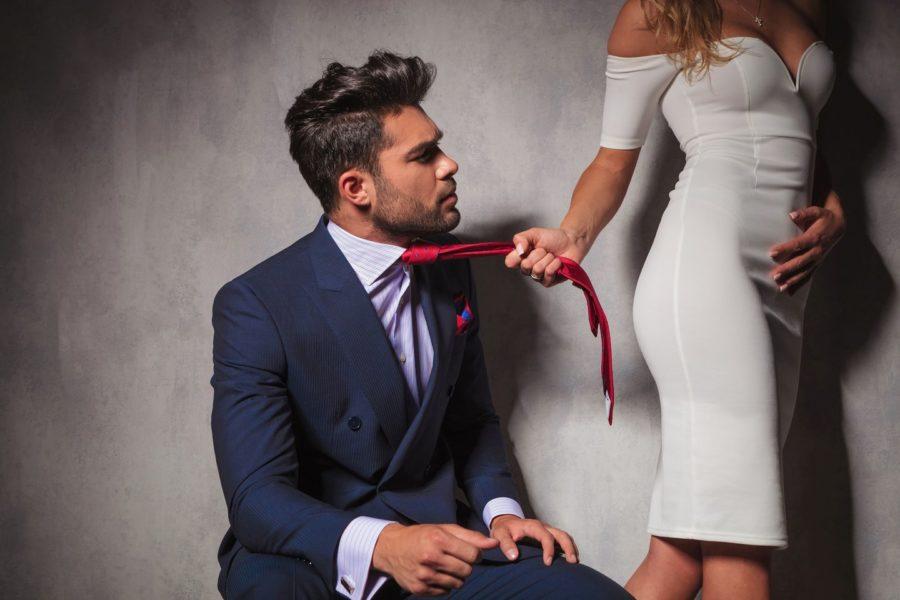 как обратить внимание женщины