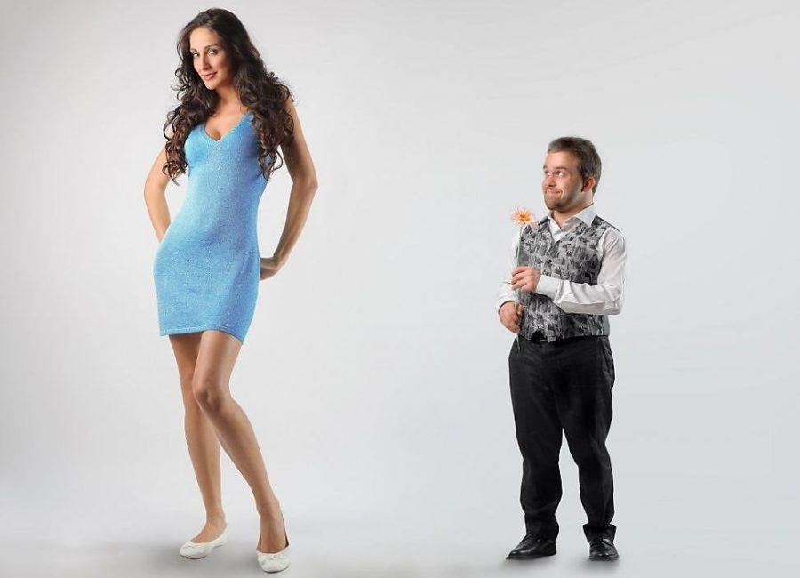 высокая девушка и мужчина