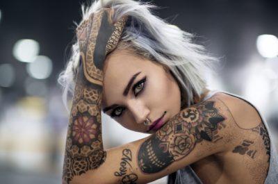 Как мужчины относятся к девушкам с татуировками? Неожиданный исход