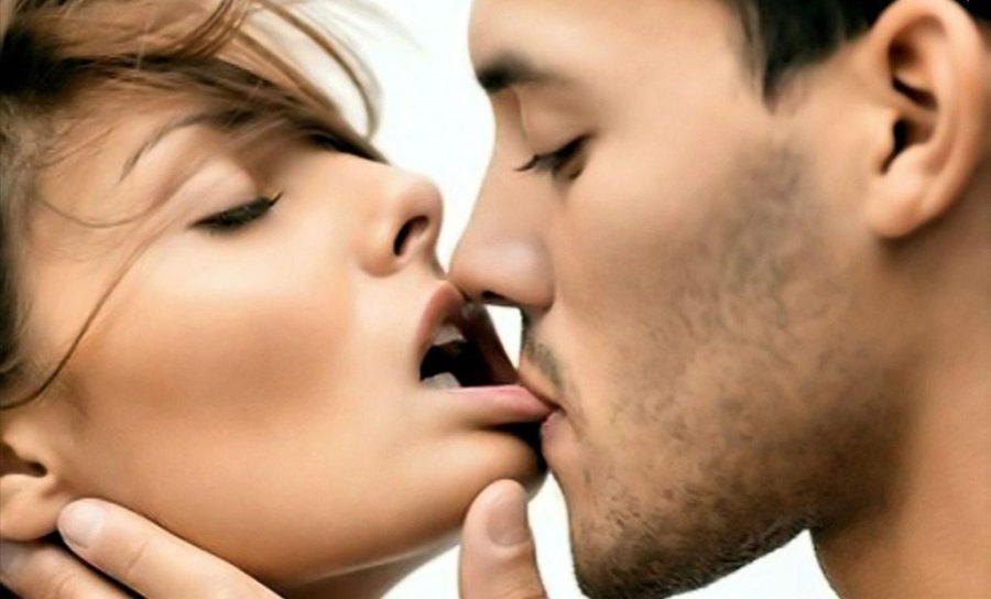 кого целовать