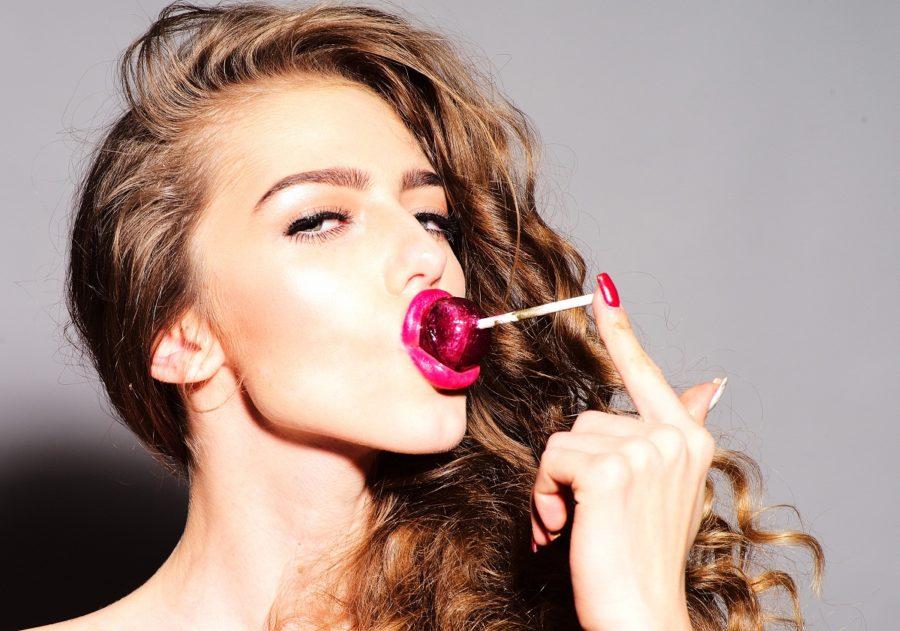 Почему женщины занимаются оральным сексом