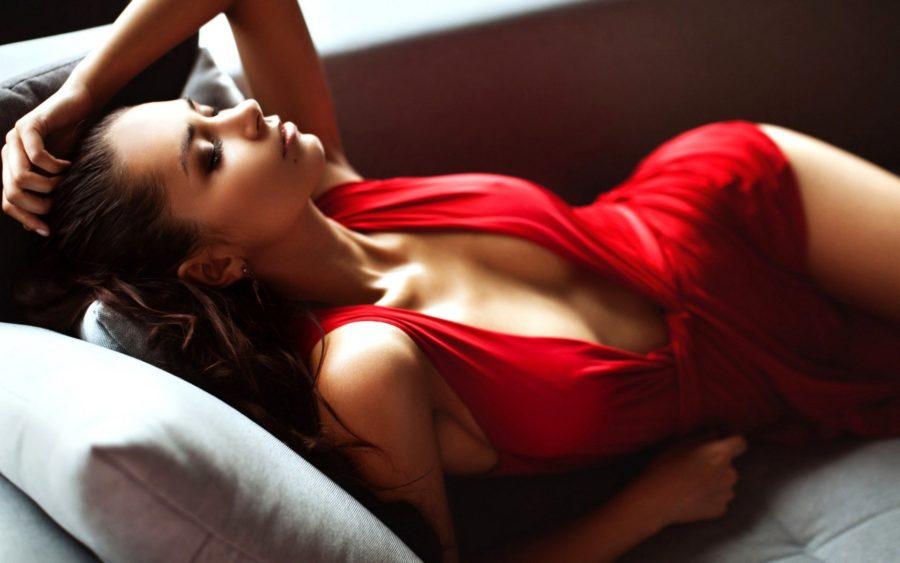 Красная одежда привлекает мужчин