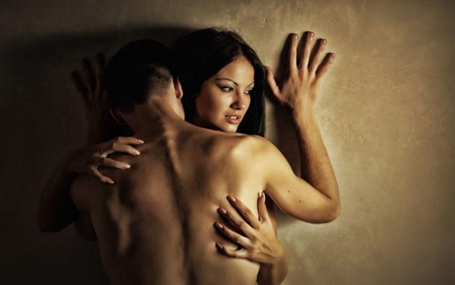 Натирает во время секса