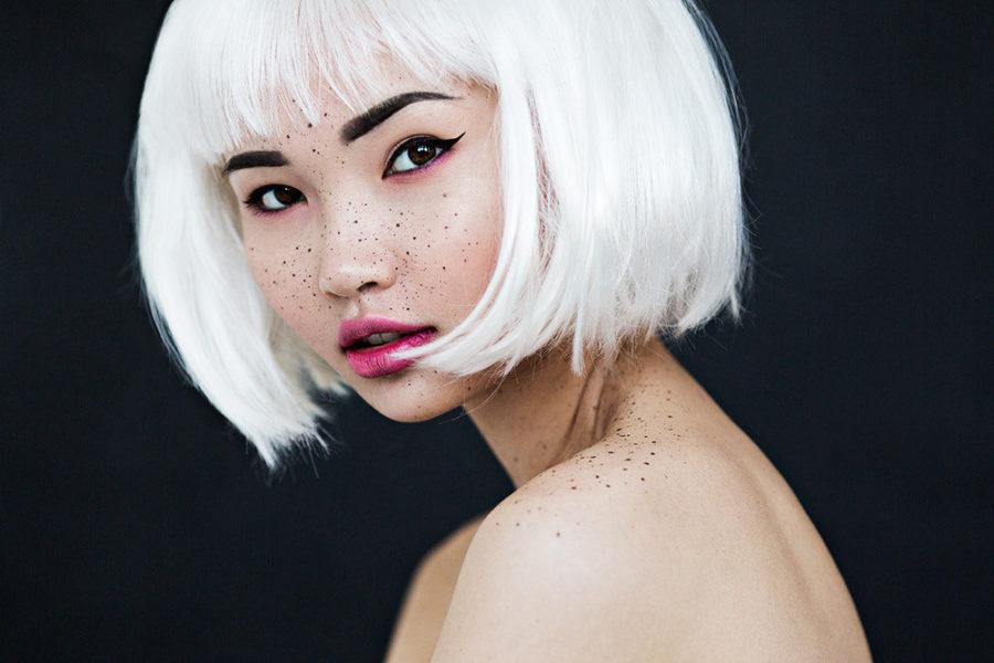 блондинка азиатка