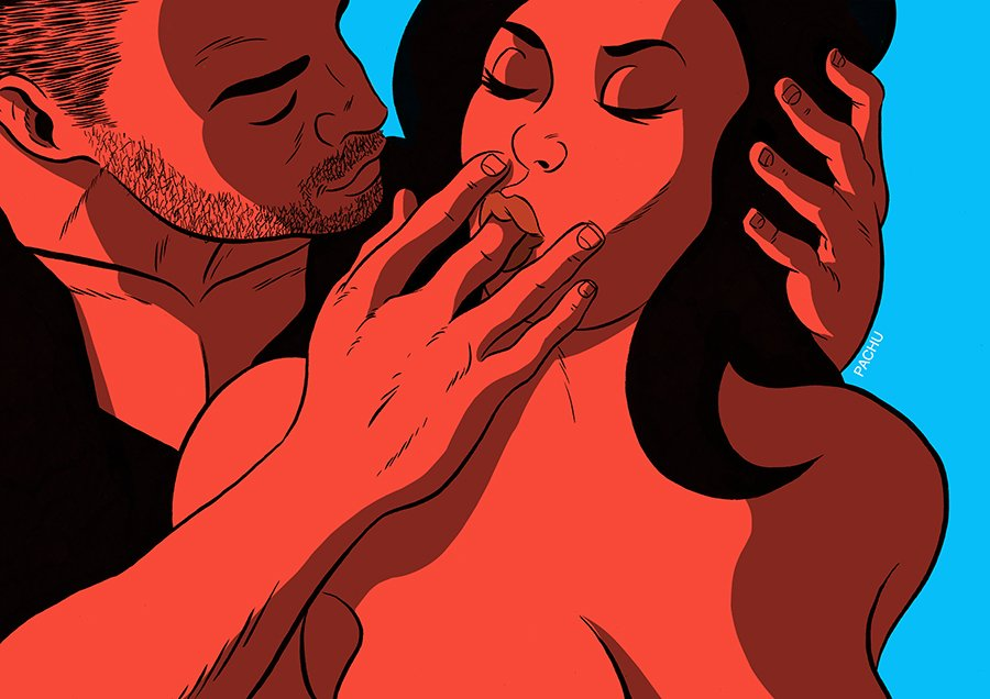 Мужчина гладит девушку