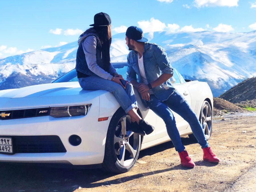 парень с девушкой автомобиль