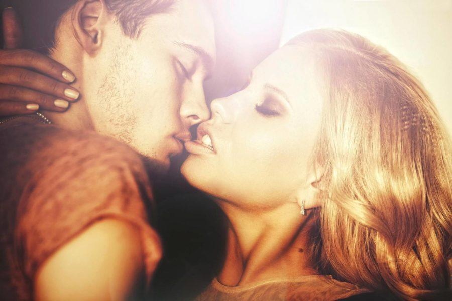 Как выразить чувства поцелуем