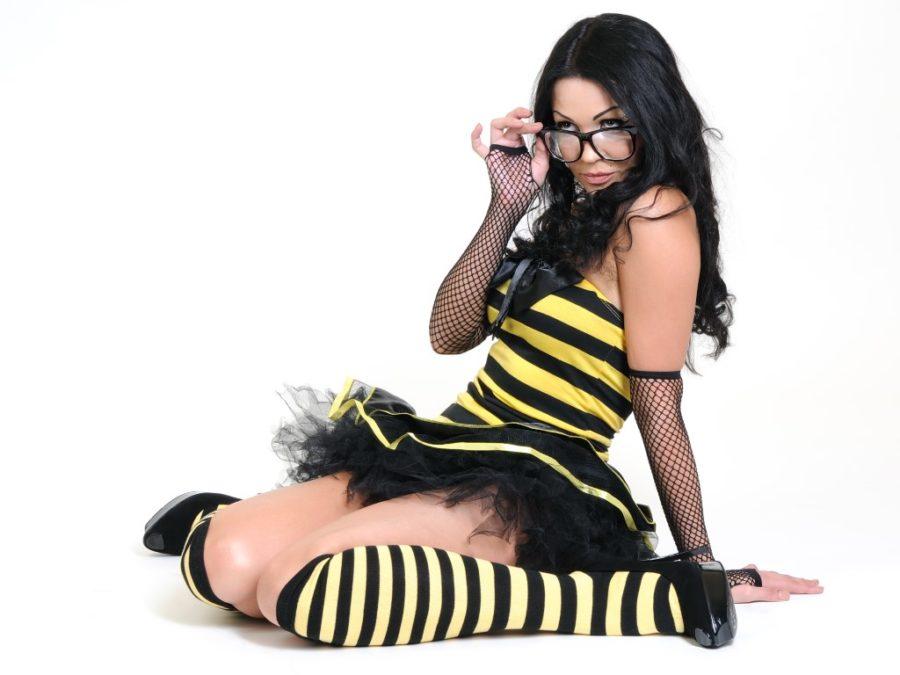 сексуальна девушка в очках