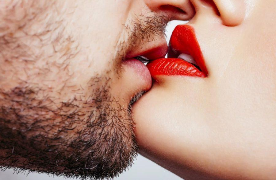 Поцелуй измена или нет