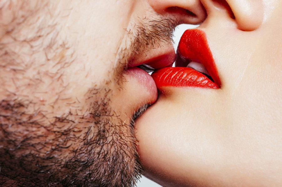 техника поцелуя с языком