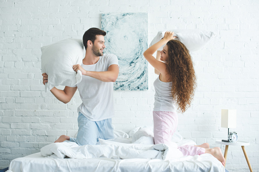 бой подушками