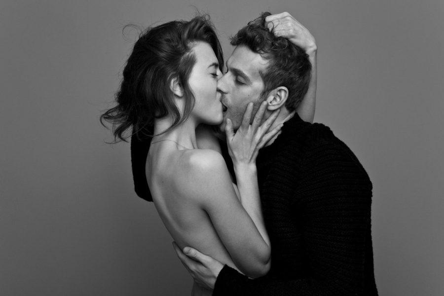 Почему поцелуй считают изменой