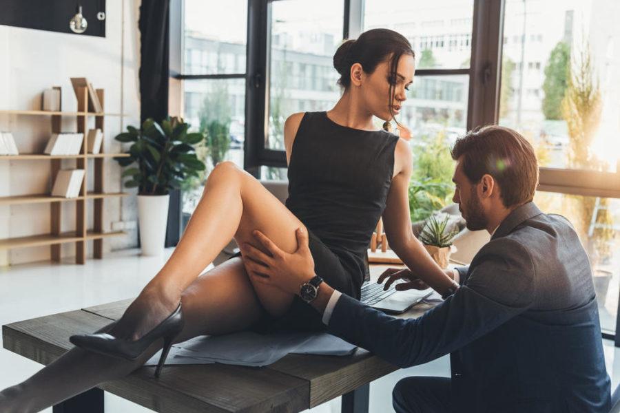 Завести отношения с умной девушкой