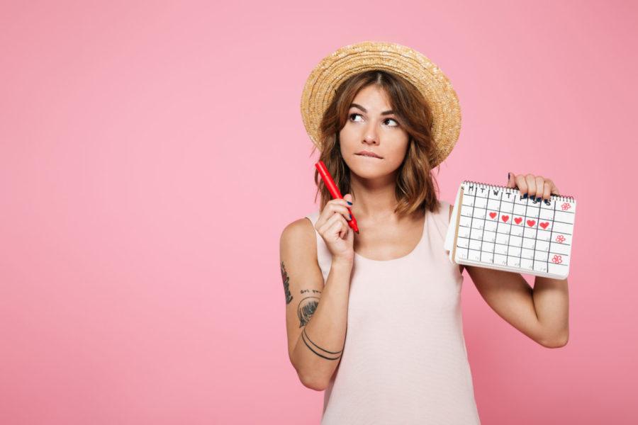 девушка с календарем