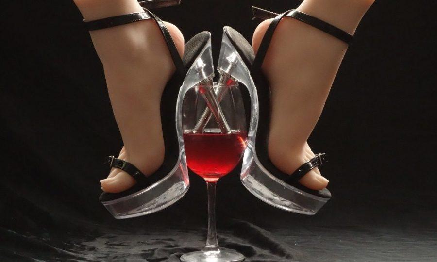 мужественный запах заставляет девушек пить больше алкоголя