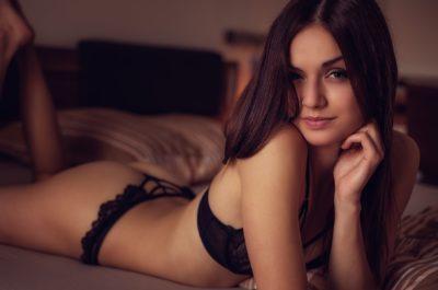 Как узнать, что девушка хороша в постели до того, как она в ней окажется?