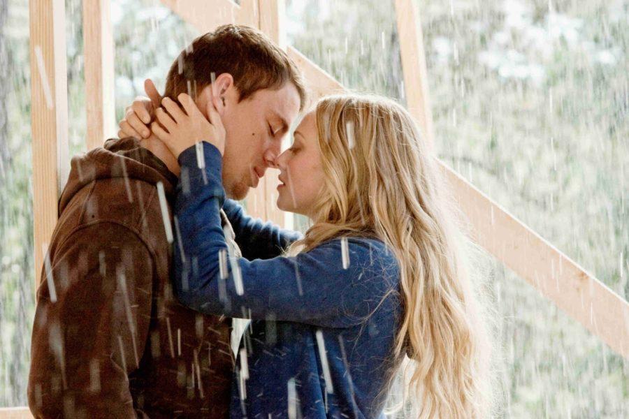 почему девушки заводят любовника