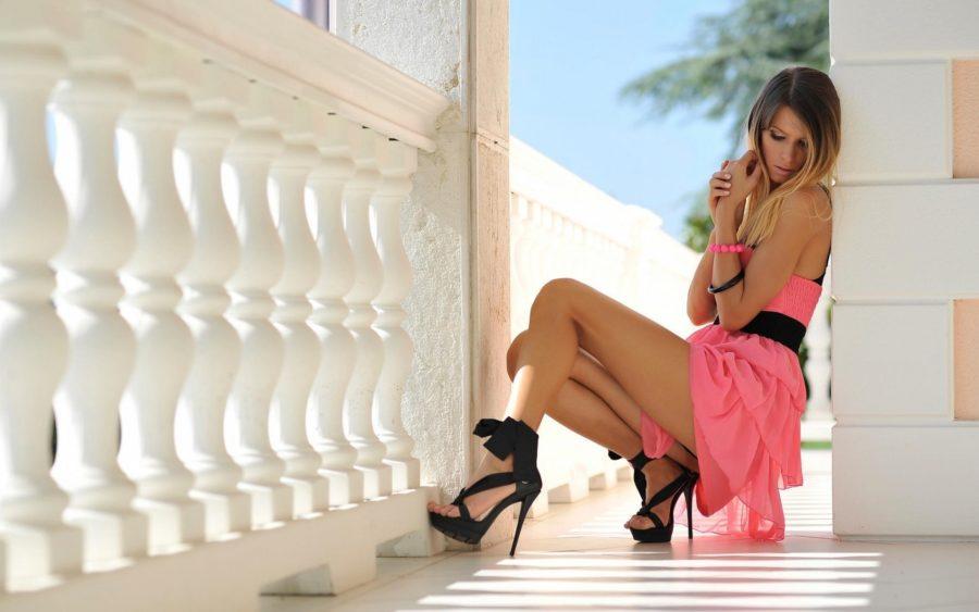 девушка в романтичном платье