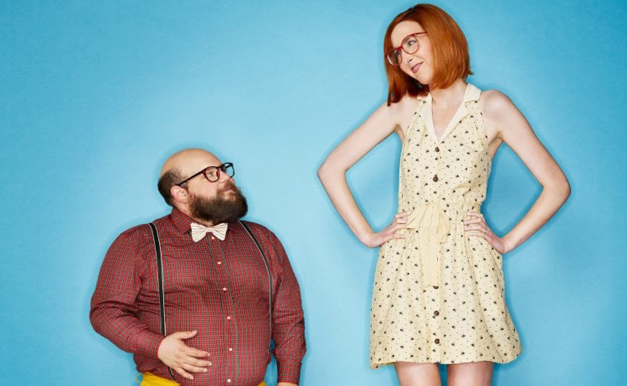 мужчина ниже женщины