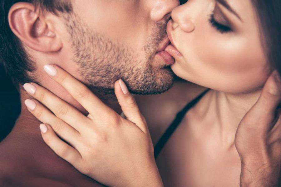 Возбудить поцелуем